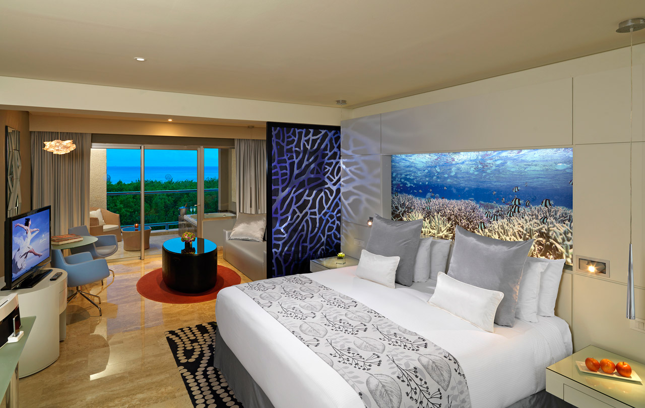 Royal Service Luxury Junior Suite Ocean View